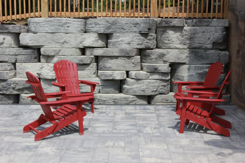 Rosetta Outcropping with Dimensional Flagstone Manitou Range