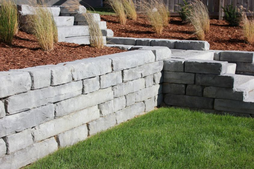 Rockton Wall with Dimensional Steps Manitou Range